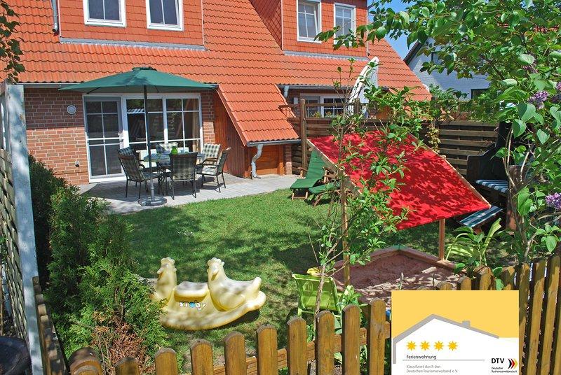 Familienfreundliches Luxus 4-Sterne Müritz Ferienhaus für Familien mit Kindern., casa vacanza a Klink