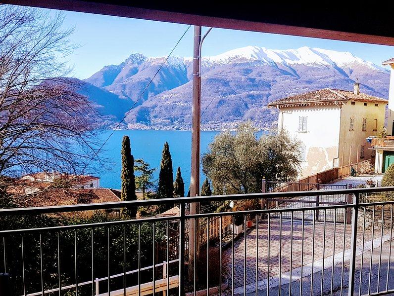 Studio GREAT LAKE VIEW, Free Wifi, holiday rental in Bellano