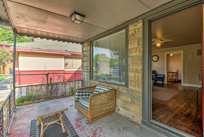 A group of 7 can stay in this 2-bed, 1-bath budget-friendly unit.