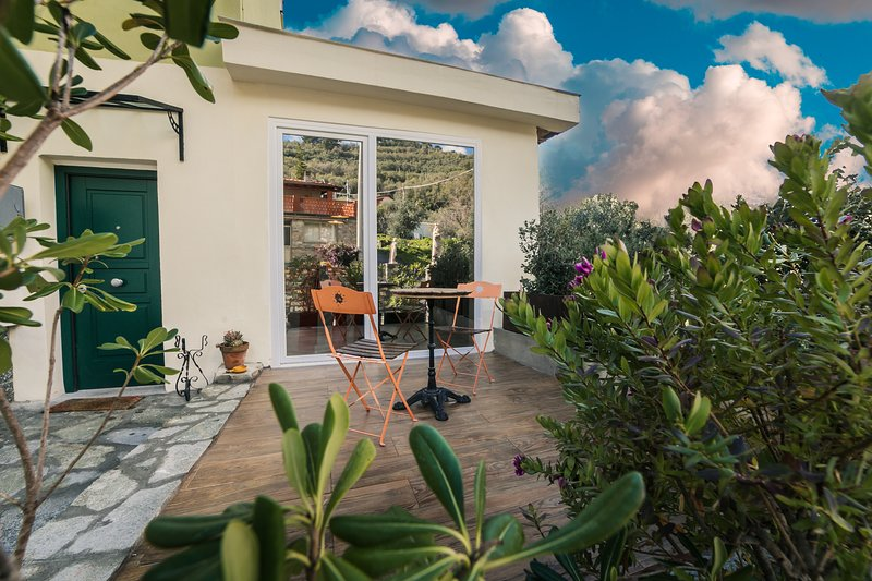 Nice apartment with terrace, vacation rental in Gazzelli
