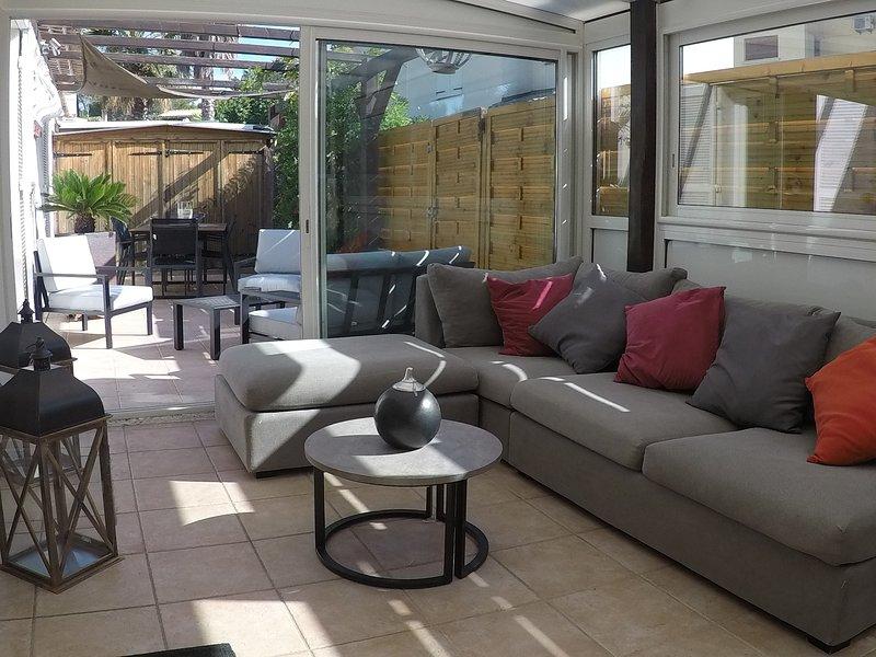 The veranda and its terrace