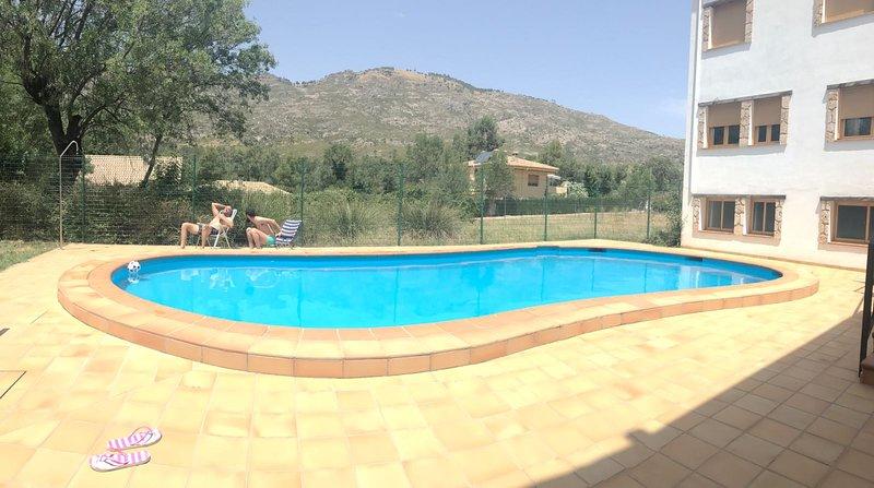 Nice house with pool access & Wifi, location de vacances à La Iruela