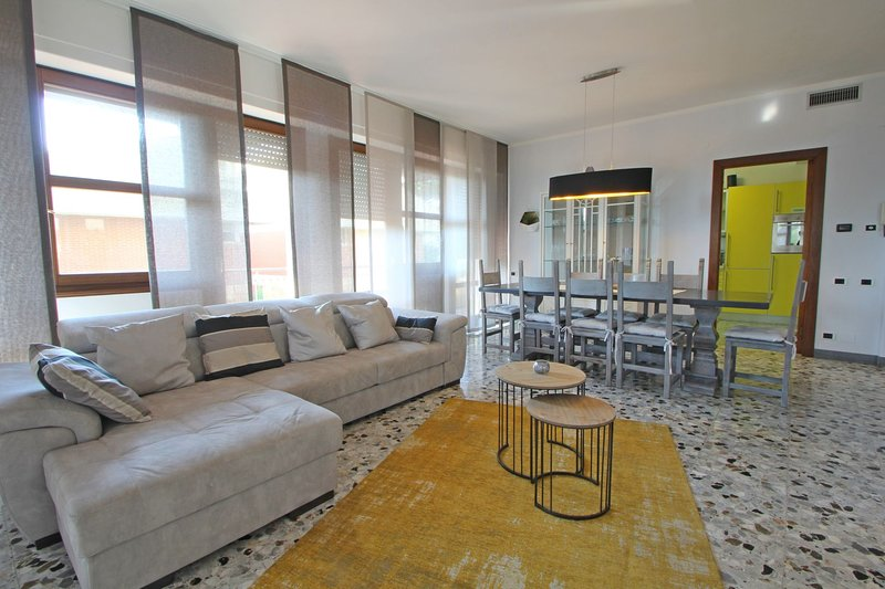 Appartamento Dei Ronchi, holiday rental in Avenza