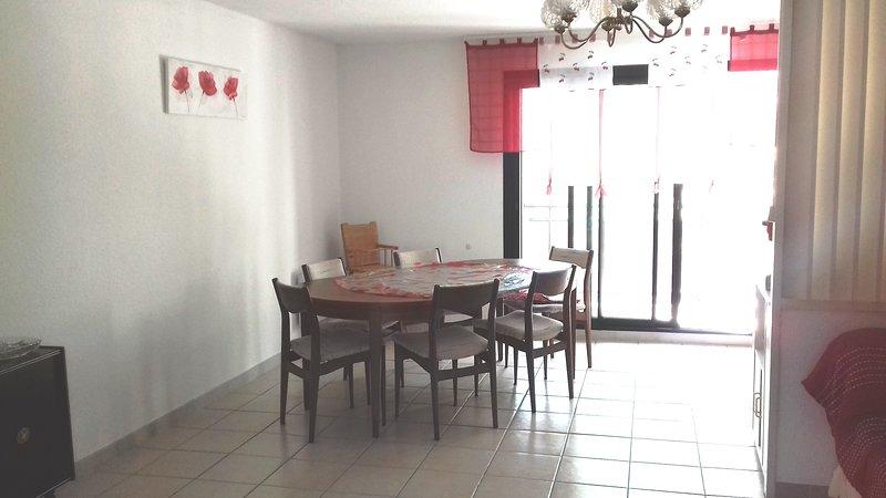 Bel Appartement T3, holiday rental in Prat-de-Cest