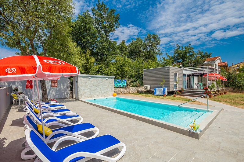 MOBILE HOME& POOL, vacation rental in Malinska