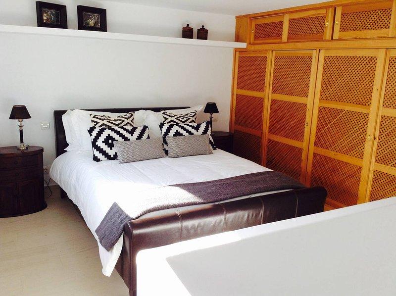 Modern guest house separate from villa – semesterbostad i La Herradura