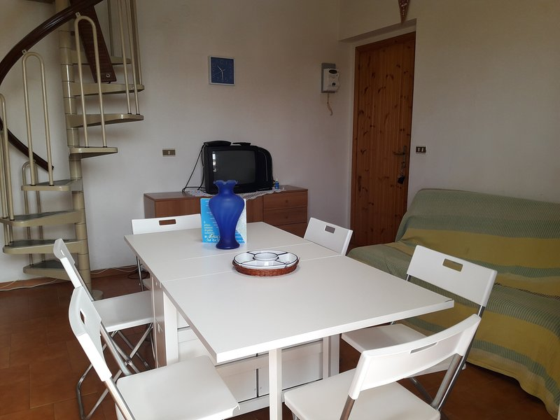 Beautiful apartment near the beach, vakantiewoning in Santa Maria del Cedro