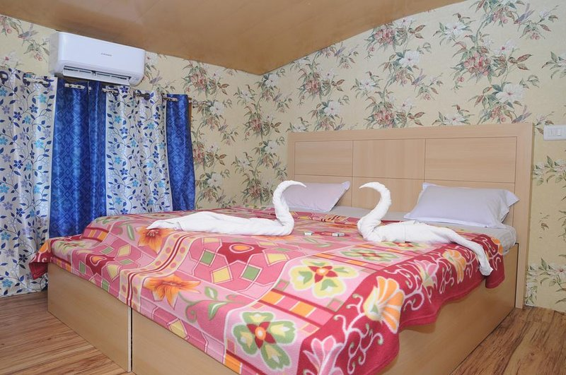House Boat-Bethel Houseboats Premium 1, vacation rental in Athirappilly