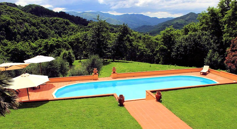 Spacious 3 bedroom villa, 15m private pool, 2KM from village with restaurants, vacation rental in Cardoso