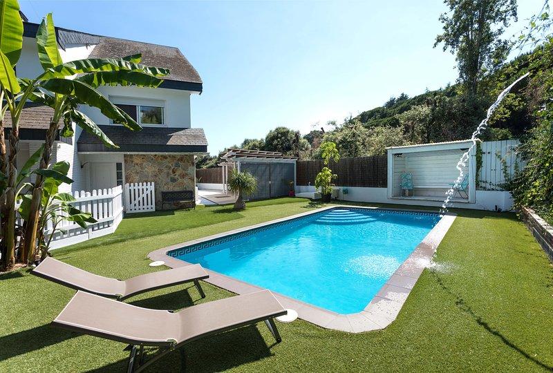 NIELLA - IDEAL FAMILIES - Chirldren are welcomed! Private pool and garden near, location de vacances à Sant Pere de Vilamajor