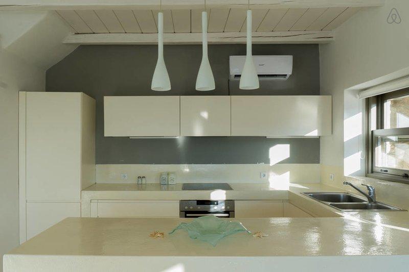 The smart, minimal kitchen