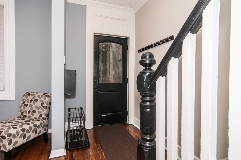 Cozy and Charming home located in the Glebe by Rideau Canal/Lansdowne & more!, holiday rental in Nepean