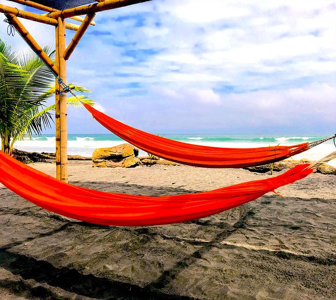 4-Robinson Crusoe's Paradise Tropical Beach (Family Room - 2), holiday rental in Esmeraldas Province