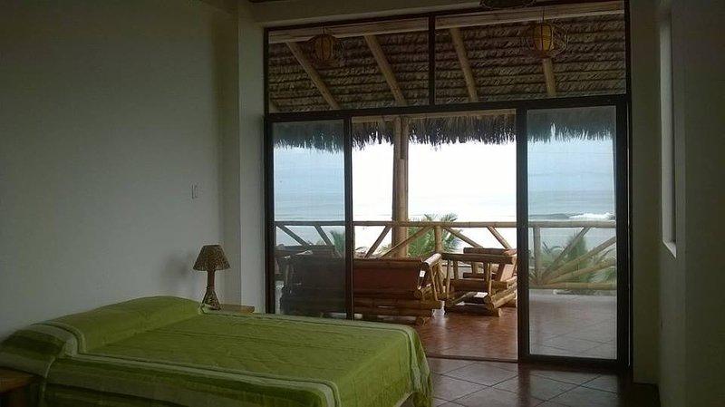 1-Robinson Crusoe's Paradise Tropical Beach, holiday rental in Esmeraldas Province