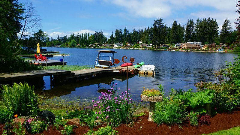 Book Now For Your Stay at The Lake!, alquiler de vacaciones en Lynnwood
