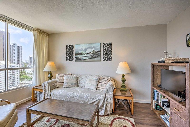 Encontre todos os seus confortos essenciais em todo este condomínio acolhedor.