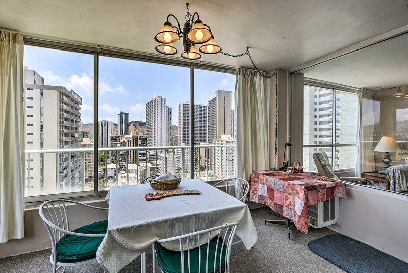 Planeje sua próxima fuga havaiana neste adorável 1 cama, 1 banho de condomínio!