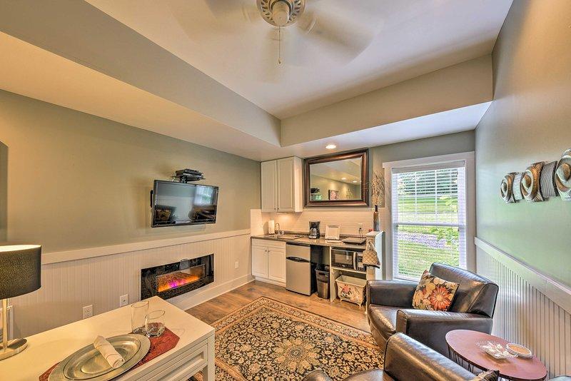 El 'Mountain Laurel Suite' cuenta con un porche y alojamiento para 2 personas.