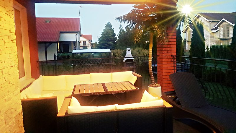 Groundfloor apartment, close to downtown and beach, Calm and quiet, location de vacances à Smołdzinski Las
