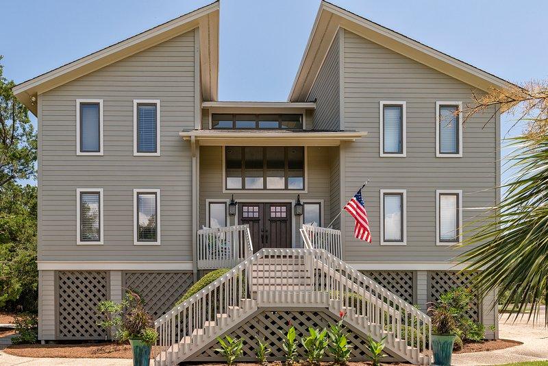 Bienvenido a 3702 Bonita Court-Impresionante casa de playa remodelada