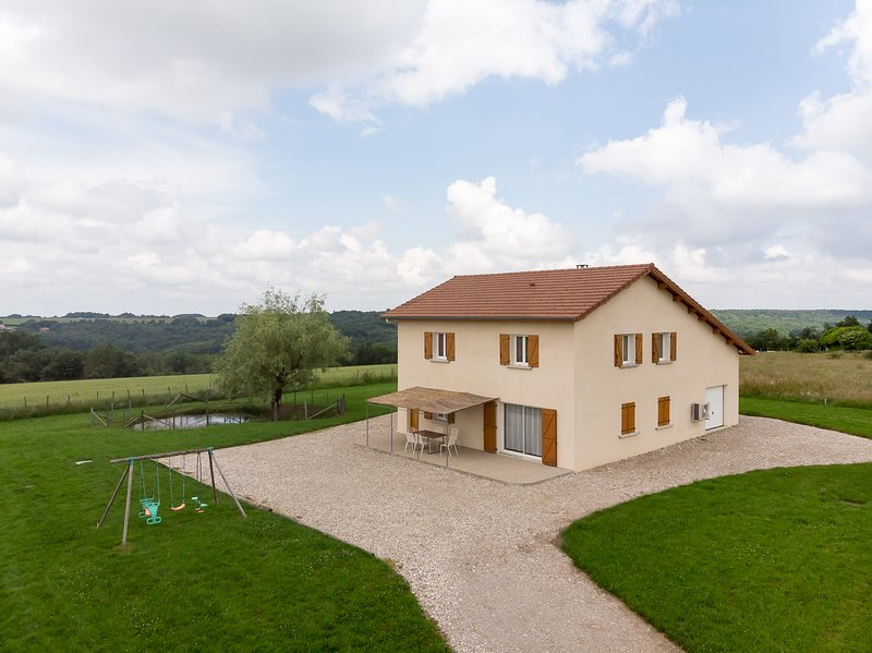 La Ferme de TUTU, vacation rental in La Cote-Saint-Andre
