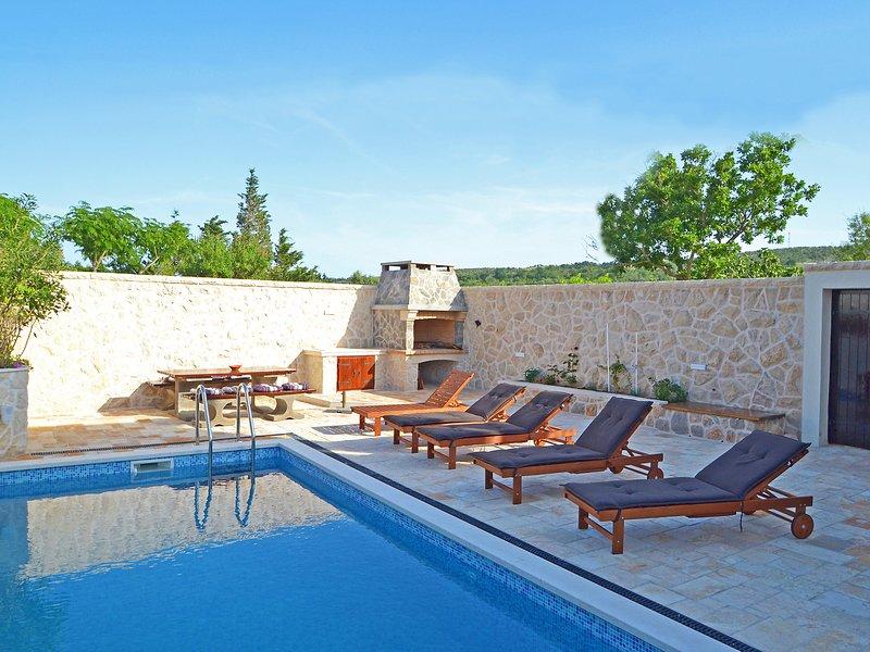 Castello Ćoza, vacation rental in Vinjerac