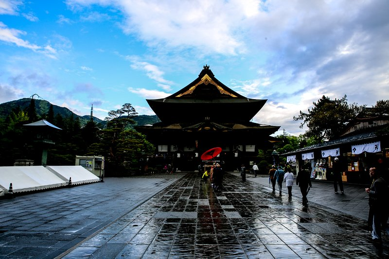 Mañana en el templo de Zenkoji
