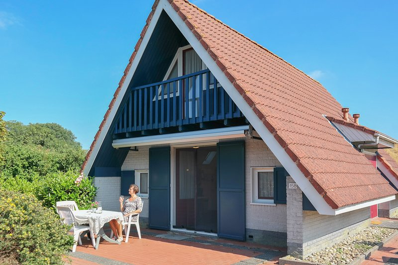 6 pers house on a typical dutch gracht, close to the National Park Lauwersmeer, Ferienwohnung in Anjum