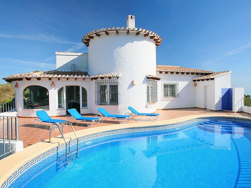 Dali, holiday rental in Llosa de Camacho