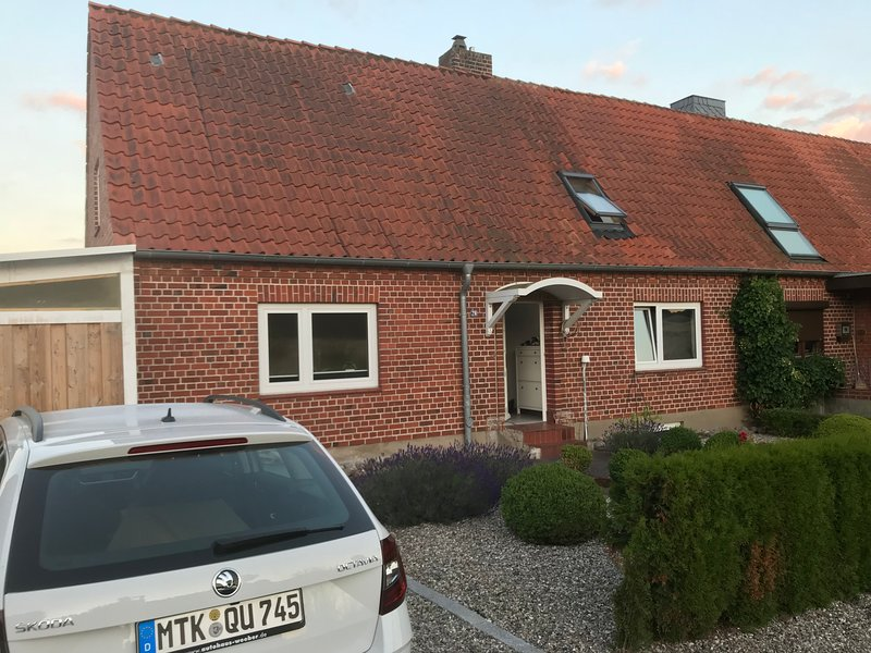 Baltic Cottage ·Ferienhaus mit Ostseeblick 100m vom Strand für Familie und Hund, location de vacances à Sierksdorf