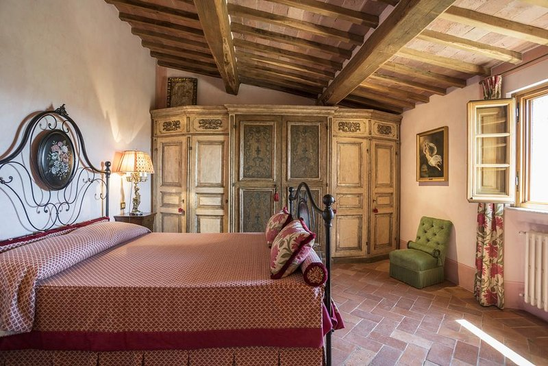 Peonia Suite- Rapolano Bed & Breakfast private bedroom/bathroom with pool, alquiler vacacional en Torre A Castello