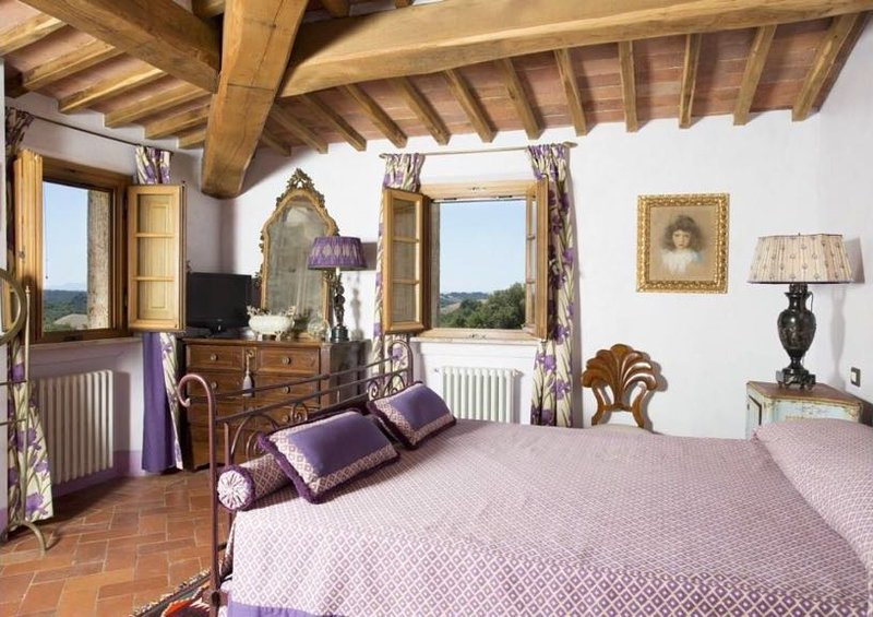 Lavanda Suite- Private bedroom/bathroom in beautiful Tuscan B&B with pool, alquiler vacacional en Torre A Castello
