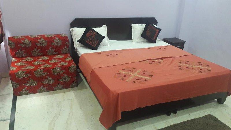 TIA APARTMENT (WHOLE PROPERTY), aluguéis de temporada em Faridabad
