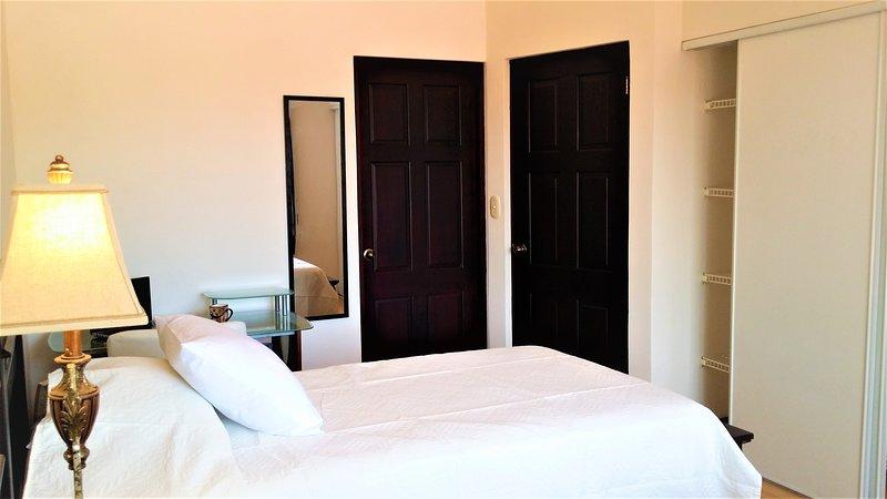 2ème chambre avec grand placard