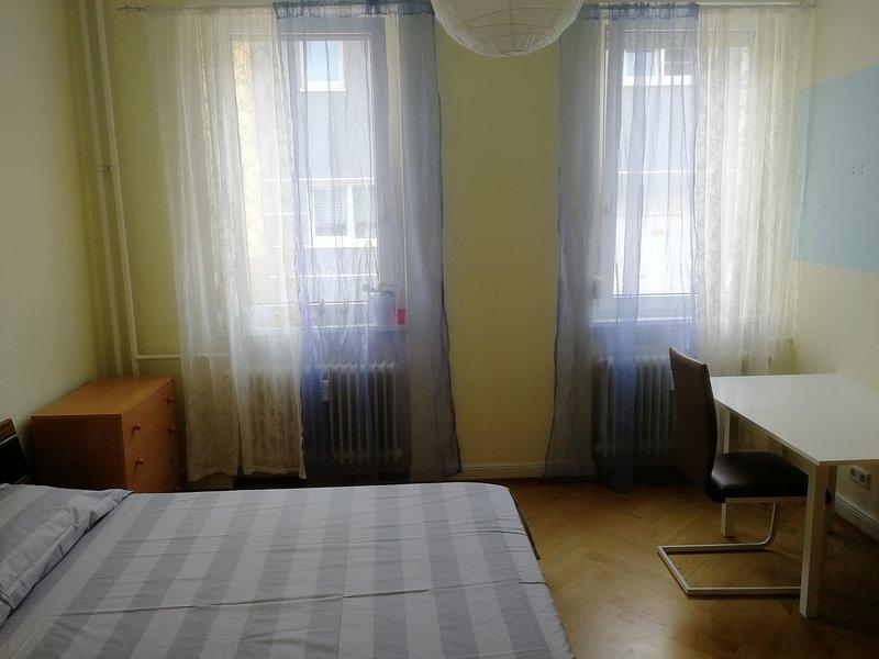 Bedroom Low Cost, vacation rental in Schwetzingen