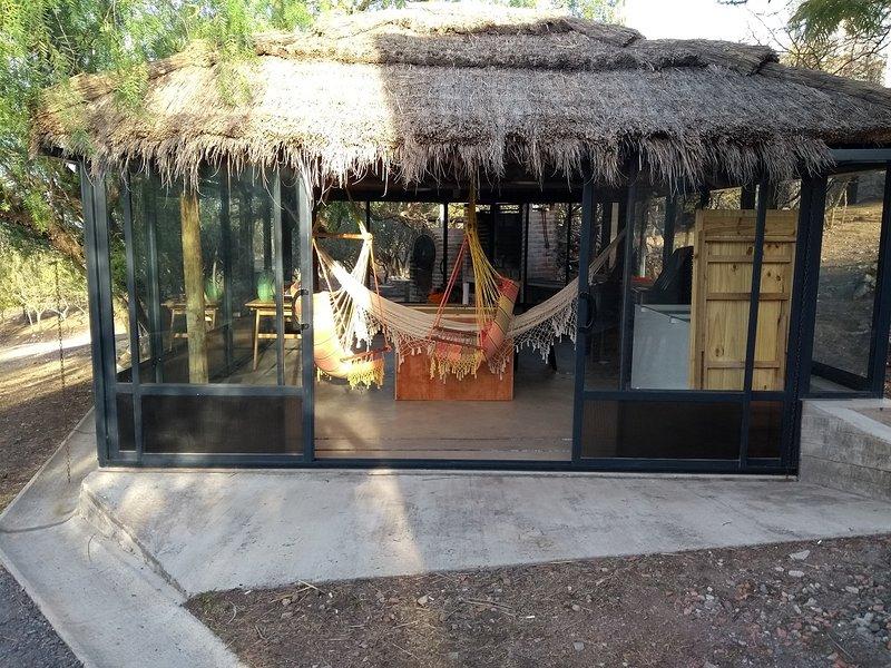 Complejo Megevand (alquiler temporario de departamentos), location de vacances à Ongamira