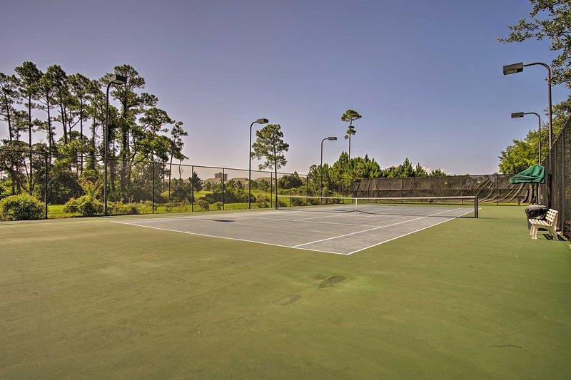 ¡Elige equipos para un partido de dobles en las canchas de tenis!