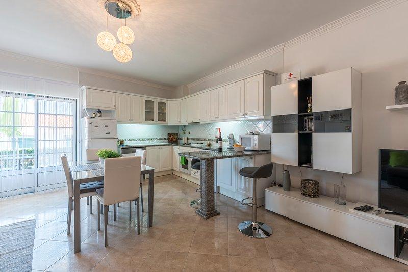 Cucina / sala da pranzo / salotto