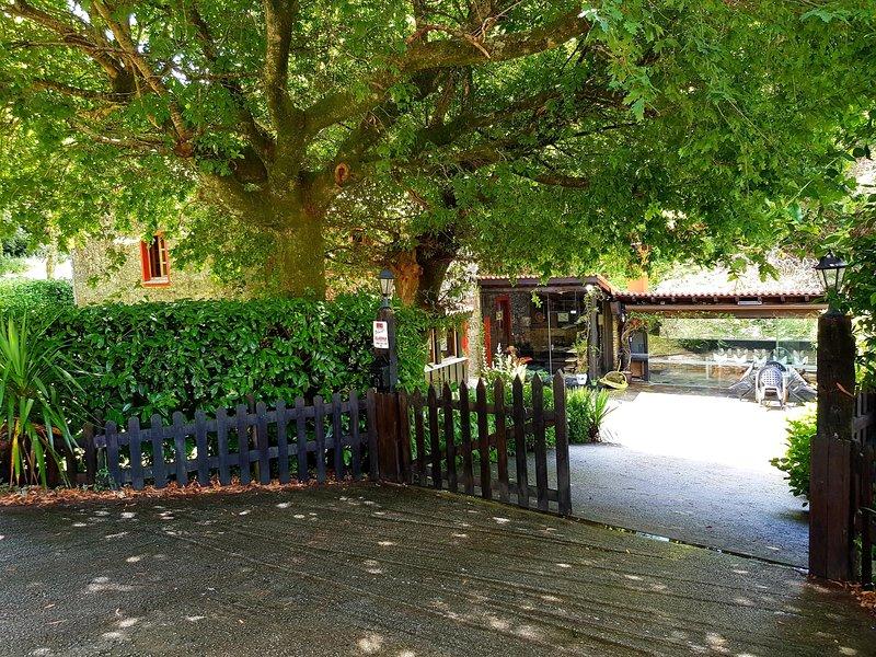 A Pontiga | Casa Rural, holiday rental in Friol