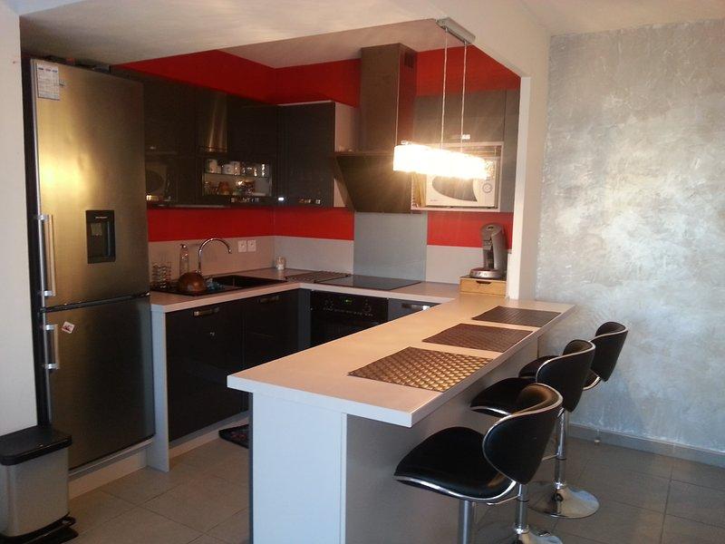 APPARTEMENT CONTEMPORAIN NEUF, location de vacances à Marseille