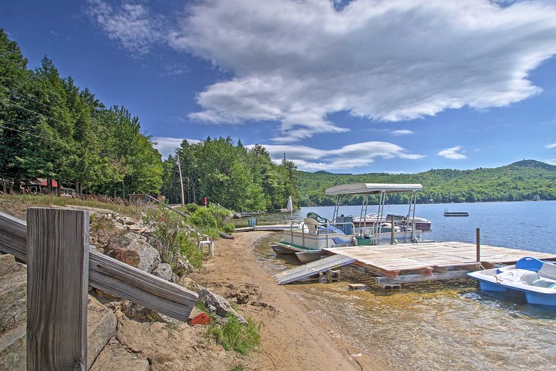 You can't beat this peaceful New Hampshire lake retreat!