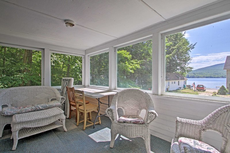 Unwind in the enclosed sunroom with your crew of 4!