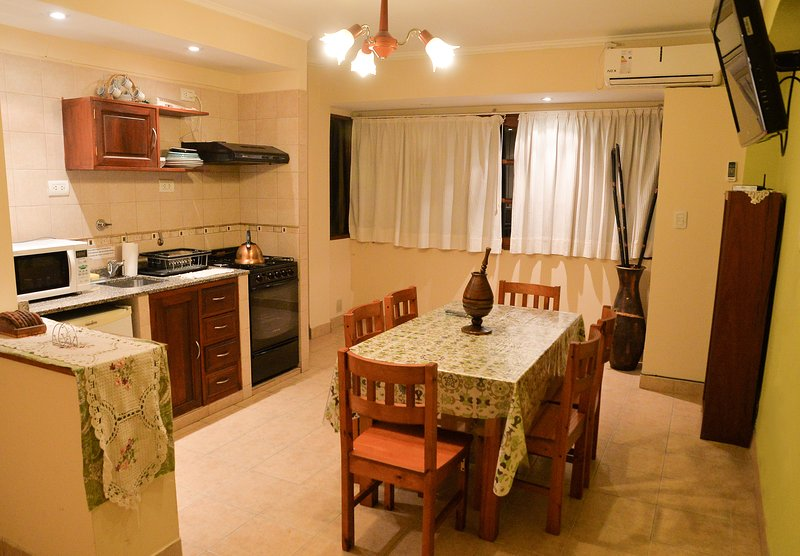 SALTA APARTAMENTO CONFORTABLE Y LINDO, vacation rental in Province of Salta