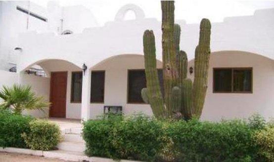 Cozy, economical 2 bedroom/one bath casita centrally located in San Carlos.for 6, holiday rental in San Carlos