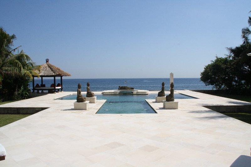 Luxury Villa Loka in North Bali, Ferienwohnung in Umeanyar