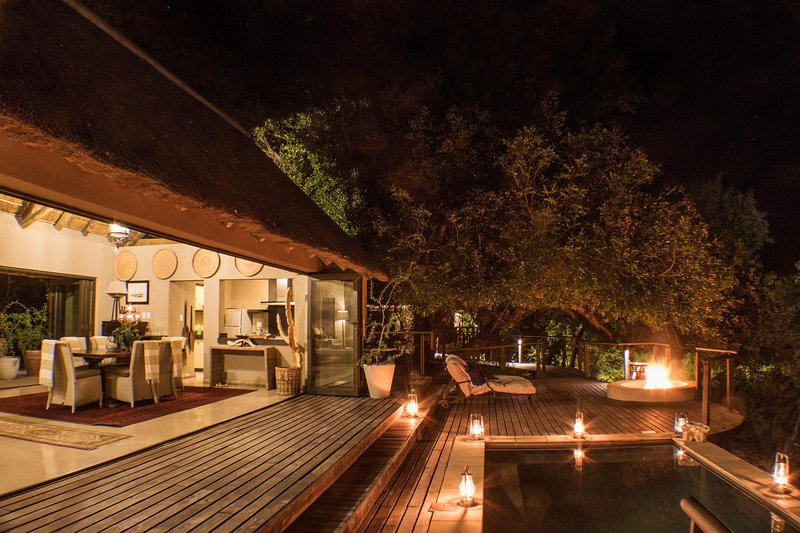 The Royal Suite - The River Lodge at Thornybush - 4 sleeper luxury villa, holiday rental in Balule Nature Reserve