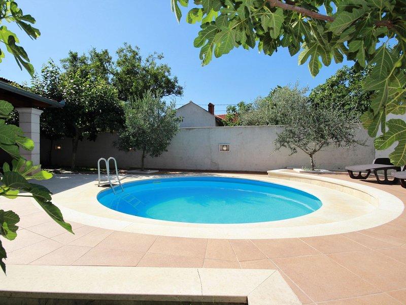 AMBROZIO, vacation rental in Muntic