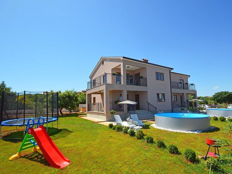 Kika, vacation rental in Liznjan