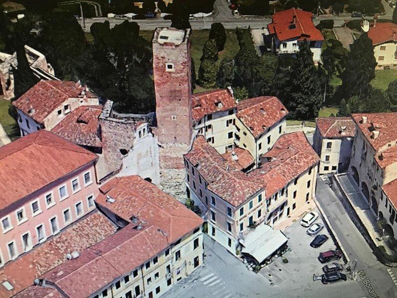 Relais nel Castello - Flat in the Medieval Tower, holiday rental in Bertigo