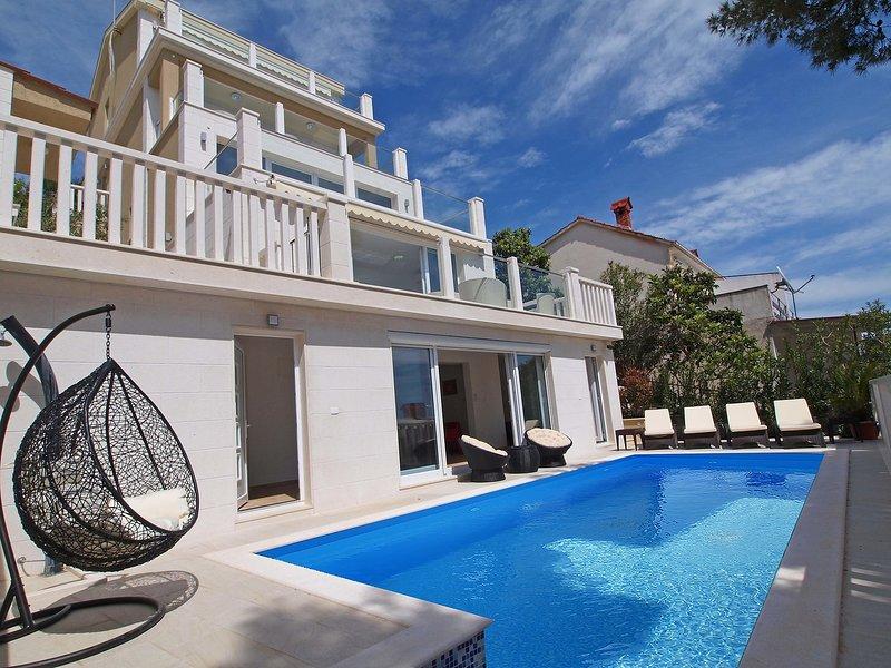 Villa Anamarija, holiday rental in Okrug Gornji